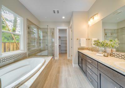 1 story master bath